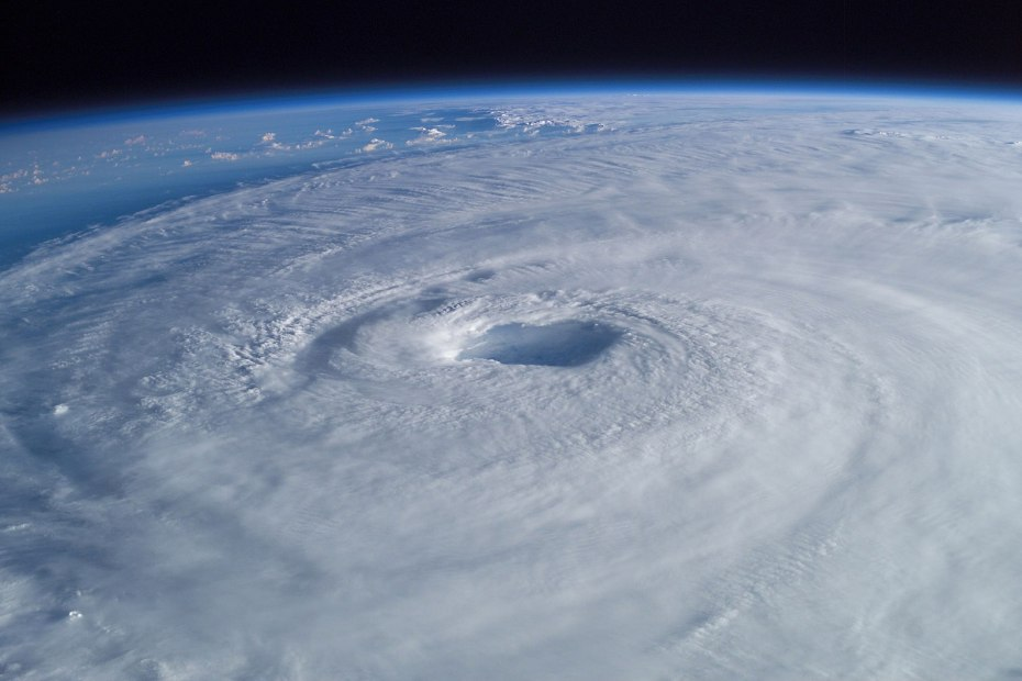 Hurricane swirling